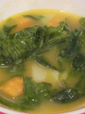 Hungarian Kohlrabi Soup (Kalarabeleves)