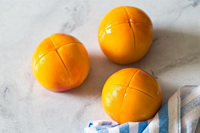 3 peeled peaches