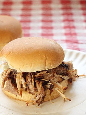 Guinness Pulled Pork Sandwiches made without a slow cooker
