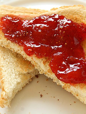 Small Batch Strawberry Jam (No Pectin Added)