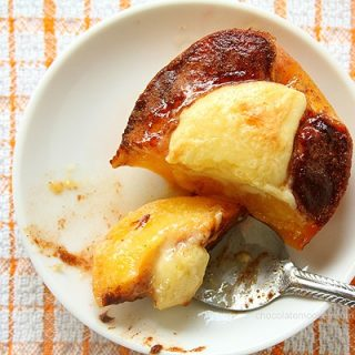 Cheesecake-Stuffed Peaches
