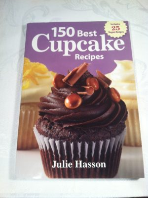 Cookbook Review: 150 Best Cupcake Recipes by Julie Hasson