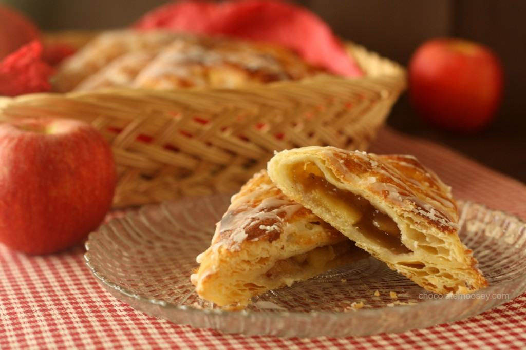 Apple Turnovers from www.chocolatemoosey.com