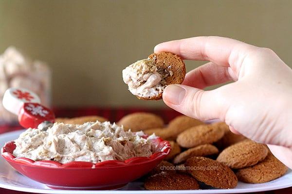 Gingerbread Marshmallow Cheesecake Dip