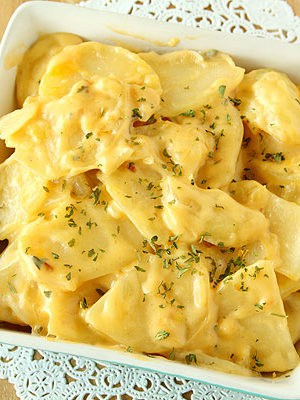 Easy Cheesy Stovetop Scalloped Potatoes