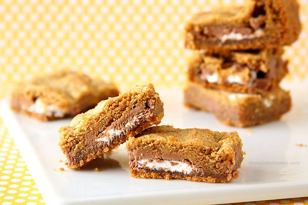 Stuffed Mallo Cup Bars | www.chocolatemoosey.com