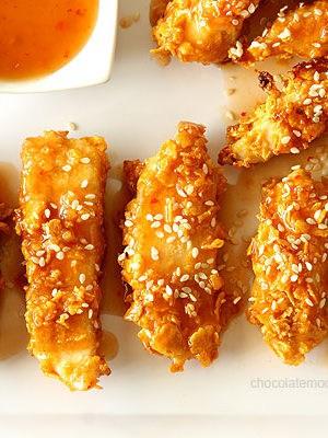 Crispy Baked General Tso's Sweet Chili Chicken Strips | www.chocolatemoosey.com