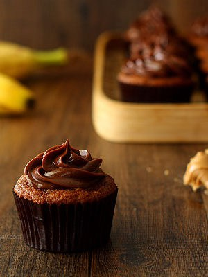 Roasted Banana Cupcakes with Peanut Butter Ganache Frosting