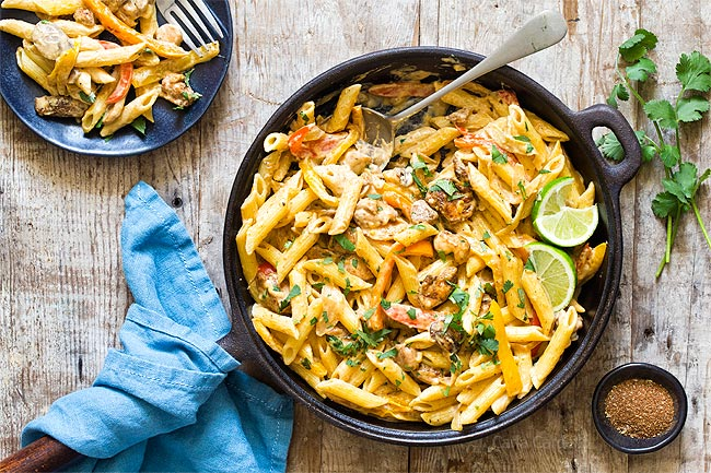 Chicken fajita pasta in skillet