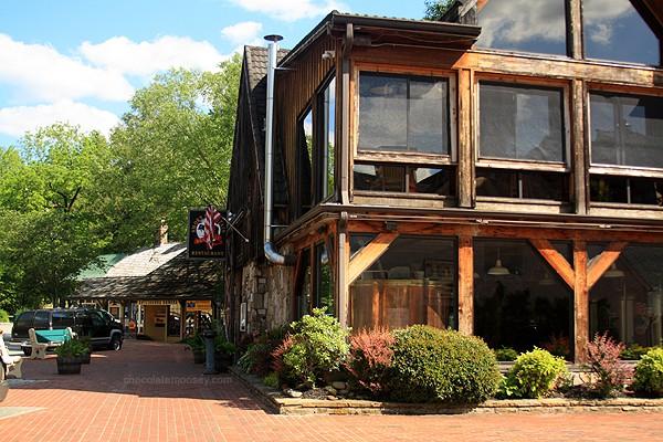 Smoky Mountain Brewery | www.chocolatemoosey.com