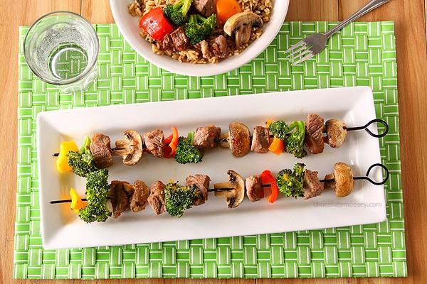 Beef Stir Fry Kabobs | www.chocolatemoosey.com