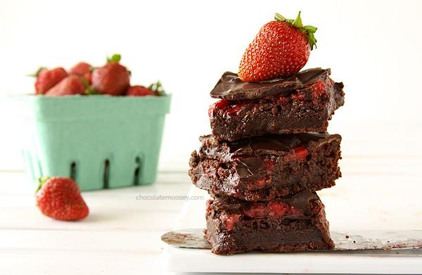 Chocolate Covered Strawberry Brownies | www.chocolatemoosey.com
