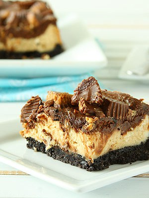 Chocolate Peanut Butter Cup Cheesecake Squares #HolidayFoodParty