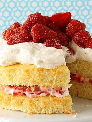 Layered Strawberry Shortcake | www.chocolatemoosey.com