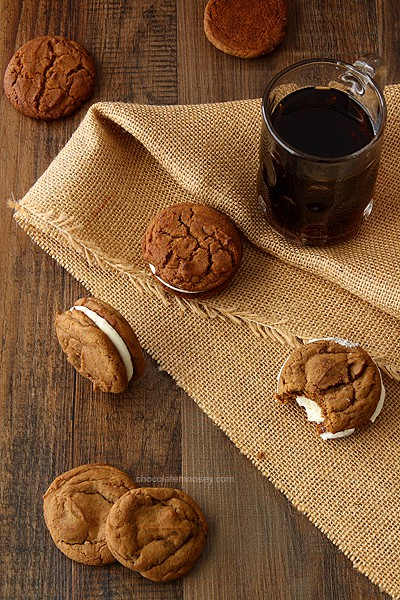 Root Beer Float Sandwich Cookies | www.chocolatemoosey.com