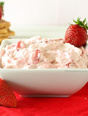 Strawberry Cheesecake Dip (Small Batch)