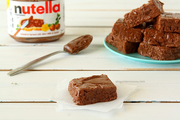 Easy Nutella Fudge | www.chocolatemoosey.com