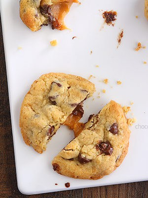 Caramel Stuffed Chocolate Chip Cookies | www.chocolatemoosey.com