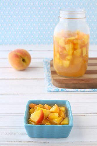 Homemade Peach Pie Filling | www.chocolatemoosey.com