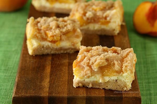 Peach Cheesecake Crumb Bars   www.chocolatemoosey.com