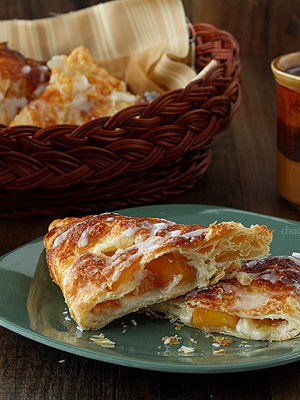 Peach Pie Cheesecake Turnovers | www.chocolatemoosey.com