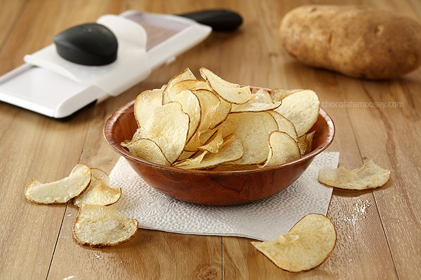 Homemade Salt and Vinegar Potato Chips | www.chocolatemoosey.com