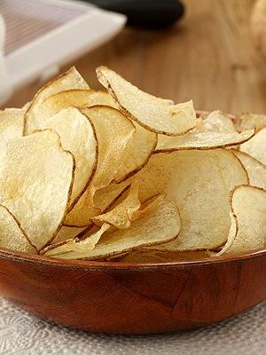 Homemade Salt and Vinegar Potato Chips | www.chocolatemoosey.com