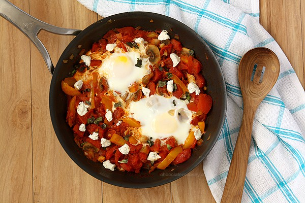 Shakshuka (Eggs Poached In Tomato Sauce) makes a easy weeknight meal | www.chocolatemoosey.com