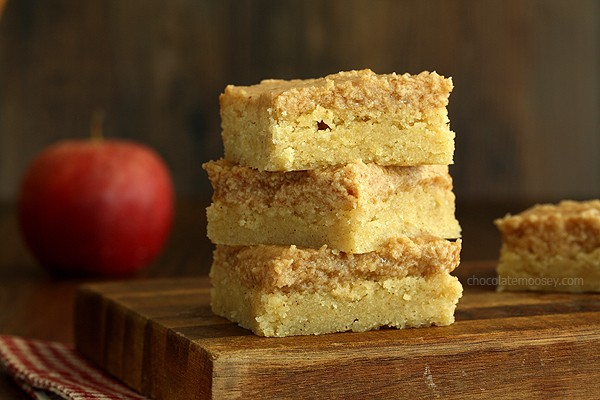 Snickerdoodle Cookie Bars With Apple Butter Frosting | www.chocolatemoosey.com