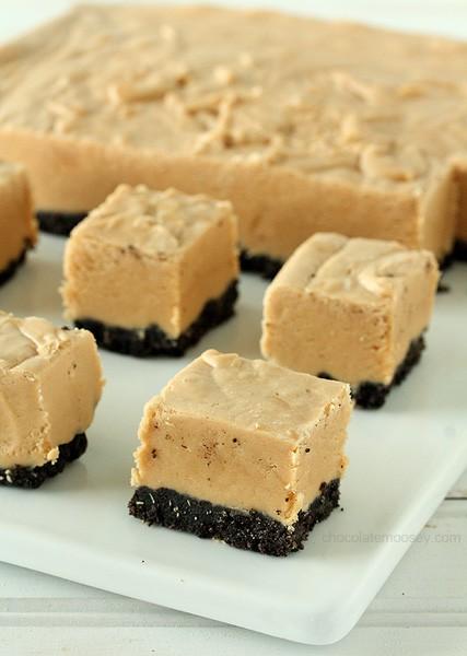 Easy Peanut Butter Oreo Fudge   www.chocolatemoosey.com