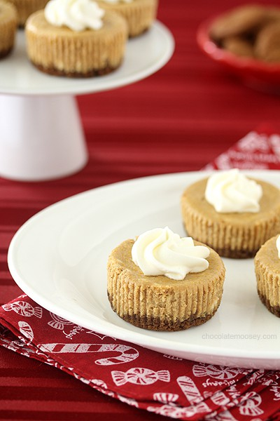 Creamy Small Batch Mini Gingerbread Cheesecakes combine the rich flavors of gingerbread and cheesecake into one handheld treat for Christmas. Recipe makes 6 cheesecake cupcakes.
