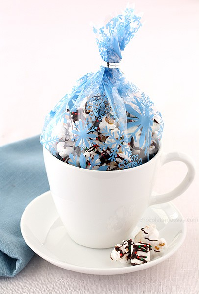 Hot Chocolate Popcorn | www.chocolatemoosey.com