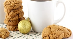 Peanut Butter Molasses Cookies | www.chocolatemoosey.com
