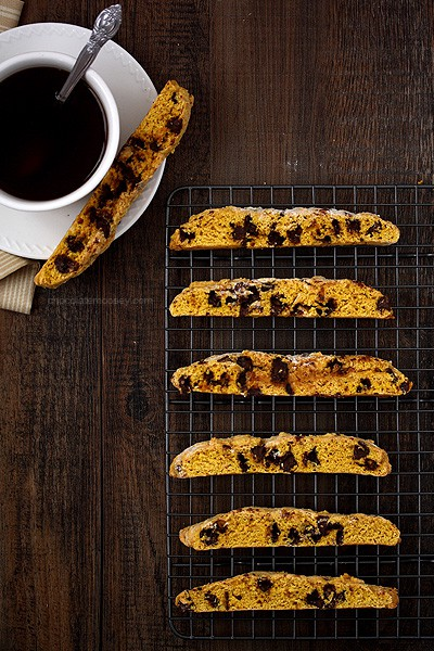 Pumpkin Chocolate Chip Biscotti | www.chocolatemoosey.com