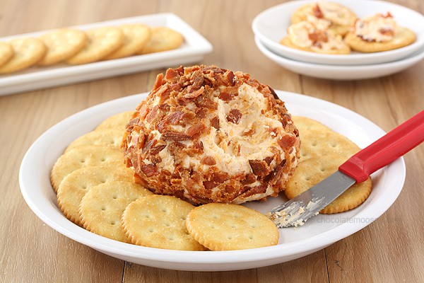 Bacon Cheddar Cheese Ball