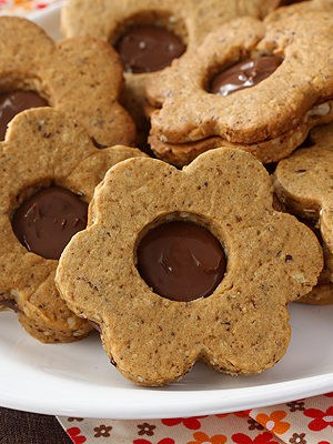 Spiced Hazelnut Linzer Cookies