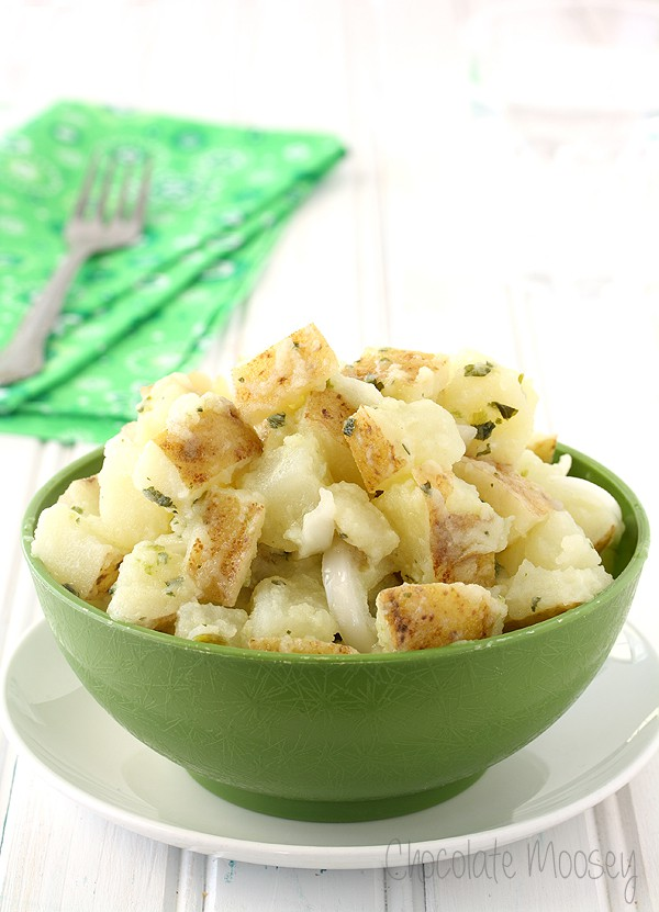Introduce a new potato salad possibility to your picnic table with Italian Potato Salad – russet potatoes tossed with olive oil, vinegar, onion, garlic, and parsley.