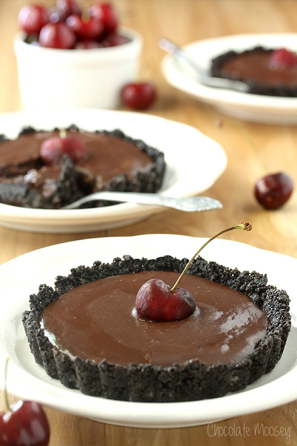 No Bake Chocolate Cherry Tartlets with an Oreo cookie crust