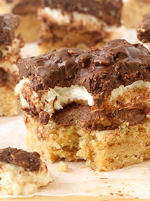 S'mores Peanut Butter Cup Crunch Bars