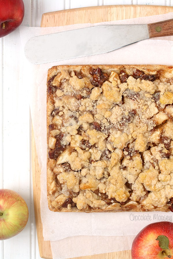 Apple Pie Crumb Bars with pecans