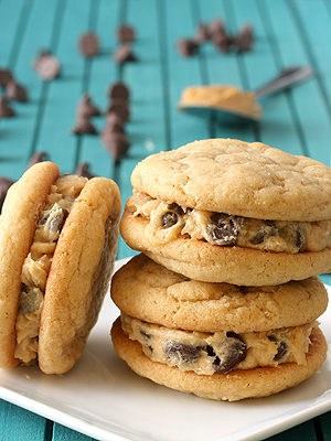 Peanut Butter Cookie Dough Sandwich Cookies for the peanut butter cookie lover