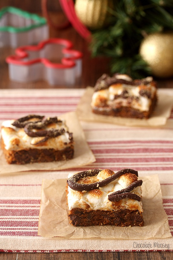Gingerbread S'mores Cookie Bars for Christmas