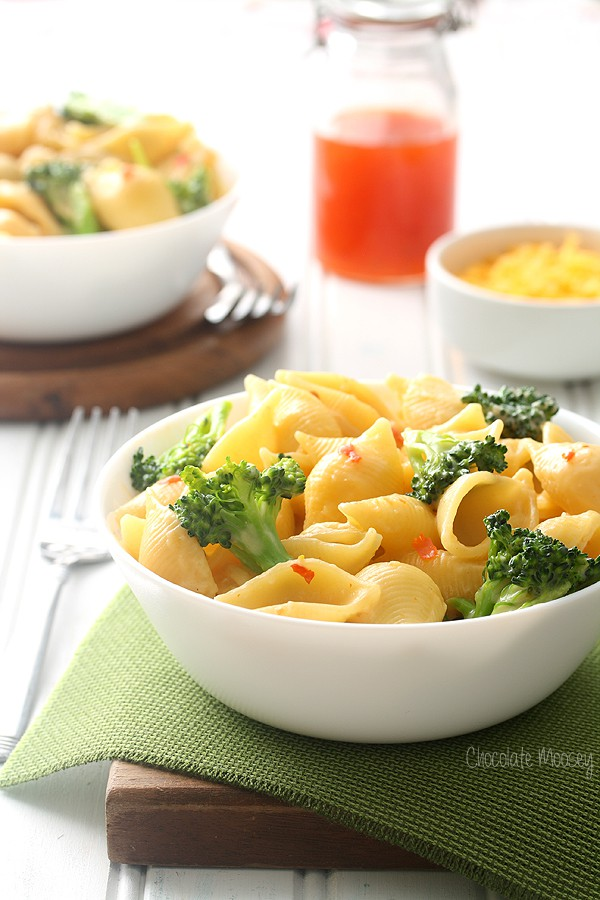Sweet Chili Mac and Cheese Shells with broccoli