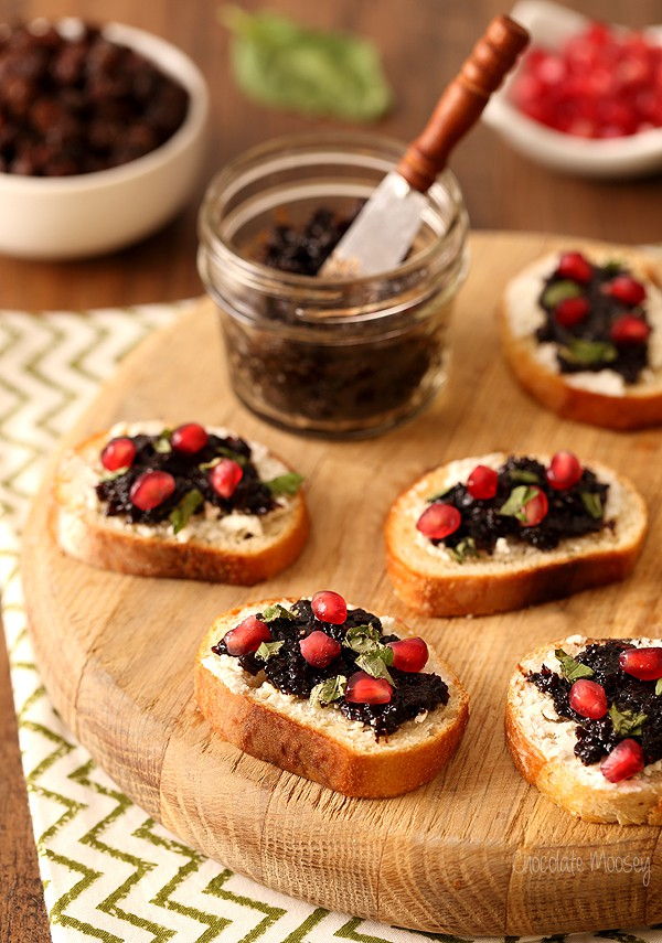 Raisin Jam and Goat Cheese Crostini for an easy Christmas appetizer recipe
