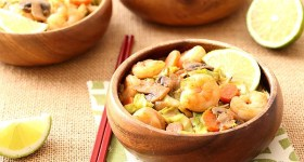 """Thai Sweet Chili Shrimp with Cabbage """"Noodles"""" that replaces carbs with vegetables"""