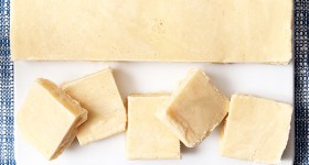 Melt-in-your-mouth Vanilla Bean Fudge made easy