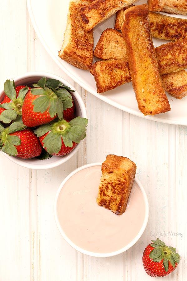 French Toast Sticks With Yogurt Dipping Sauce