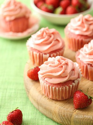 Small Batch Strawberry Cupcakes with Strawberry Cream Cheese Frosting