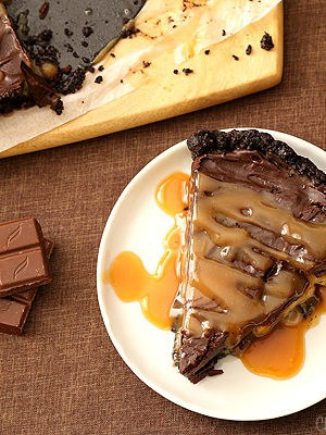 No Bake Chocolate Banana Caramel Tart
