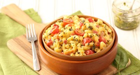 Bacon and Pesto Macaroni and Cheese